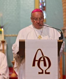 Abp Tadeusz Preaching